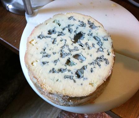 queso-azul-corte-grande