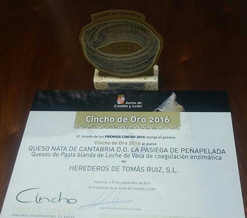 Cincho de Oro al Queso Nata de Cantabria de La Pasiega de Peña Pelada.