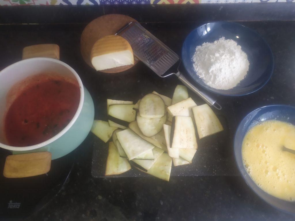 Ingredientes receta italiana de berenjenas al queso.